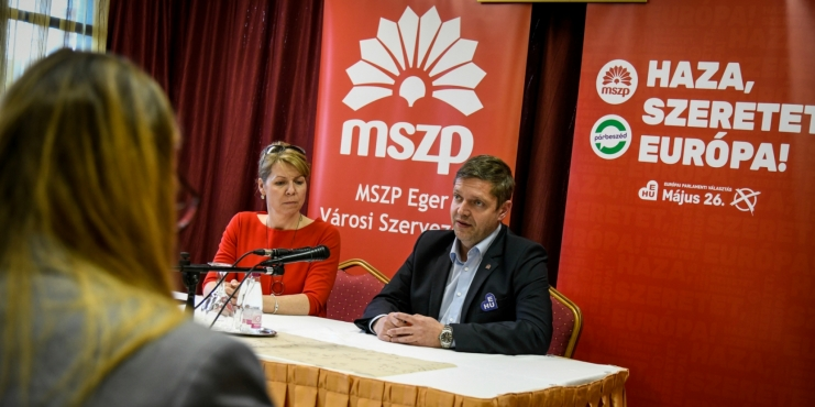 """Fidesz Circles Getting Richer, Laborers Cannot Even Make Ends Meet"""