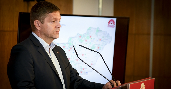 MSZP Promises Voters 30% Lower Utility Cost as Opposed to Humiliating Vote Buying with Utility Scam!