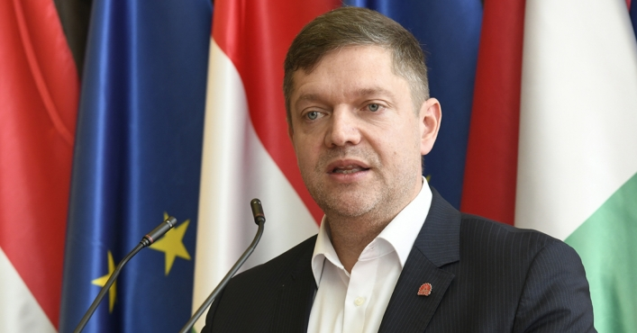 MSZP Proposes Five-point Protective Package to Government